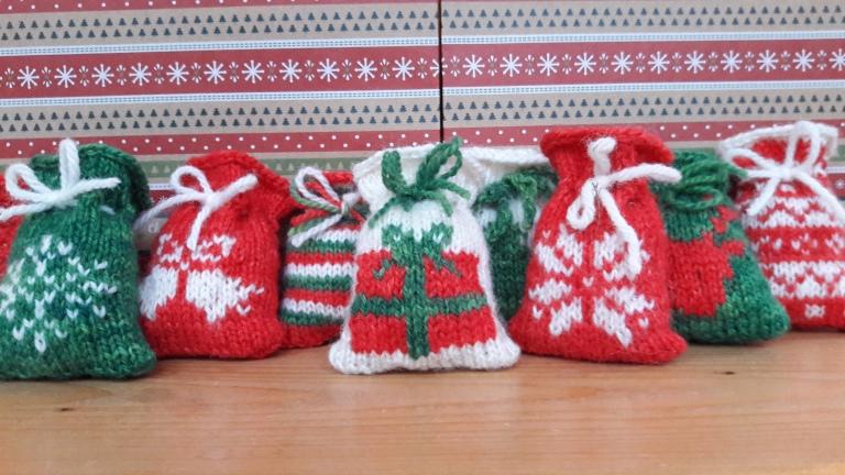 10-santa-sack-group-shot