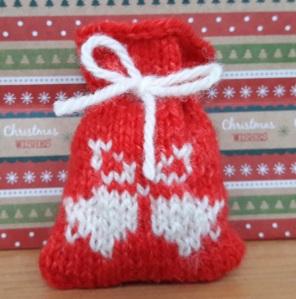bells-knitted-santa-sack