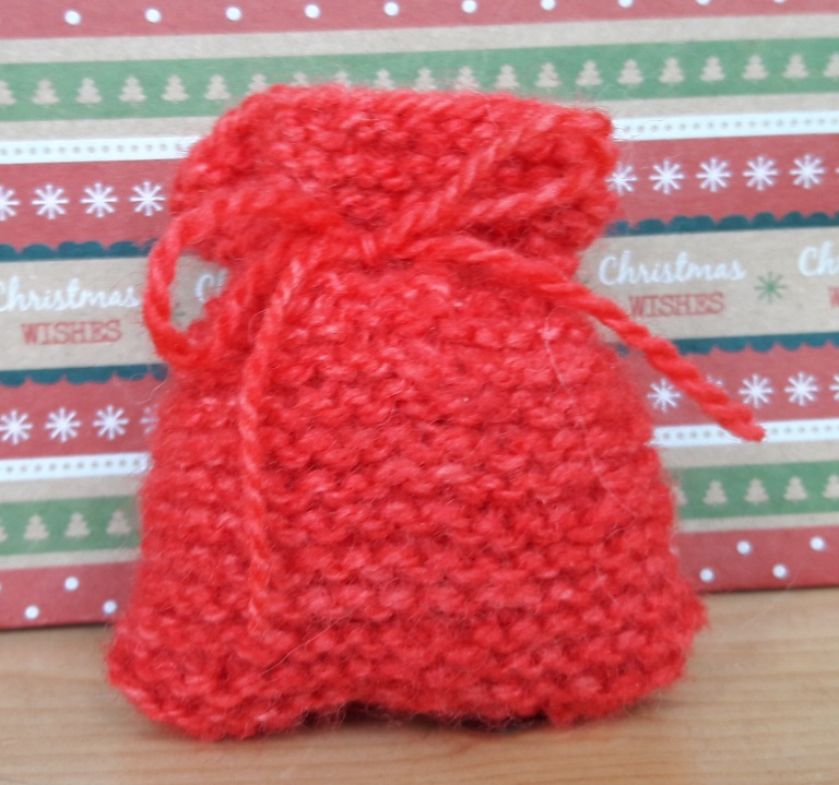 garter-stitch-santa-sack-free-pattern