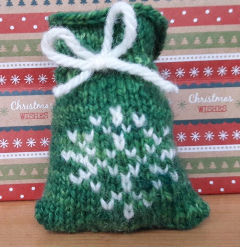 snowflake-santa-sack-2