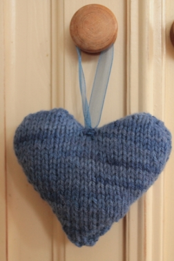 knitted-heart-3