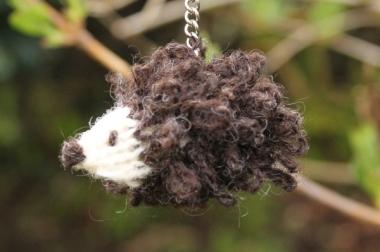 Knit your own hedgehog keyring 4