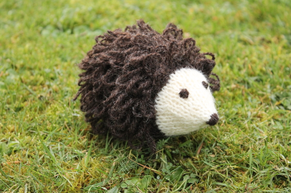 Knit your own hedgehog 2